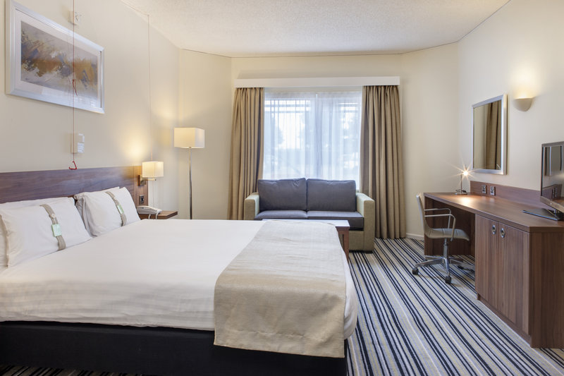 Holiday Inn Rugby-Northampton M1, Jct.18-A newly refurbished room , sofa bed only suitable for 1 person<br/>Image from Leonardo
