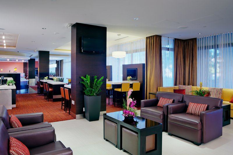Holiday Inn Long Beach Downtown Area-Unwind from a busy day in our comfortable lounge area<br/>Image from Leonardo