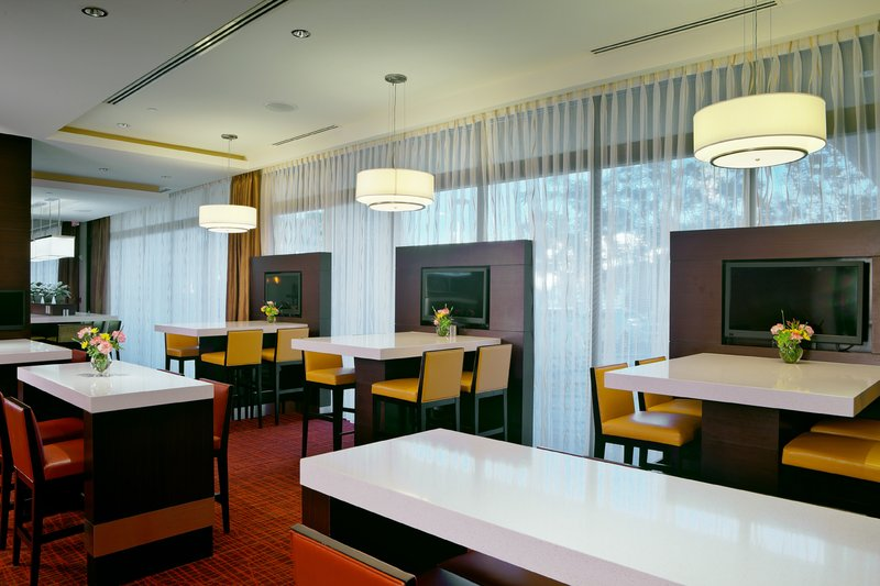 Holiday Inn Long Beach Downtown Area-Enjoy casual fresh dining at our on-site restaurant and bar<br/>Image from Leonardo