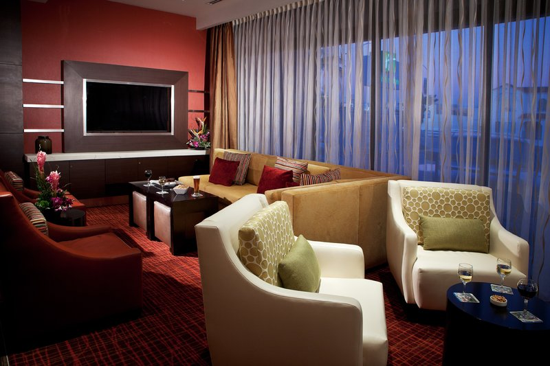 Holiday Inn Long Beach Downtown Area-Sit back and relax at our comfortable executive lounge<br/>Image from Leonardo