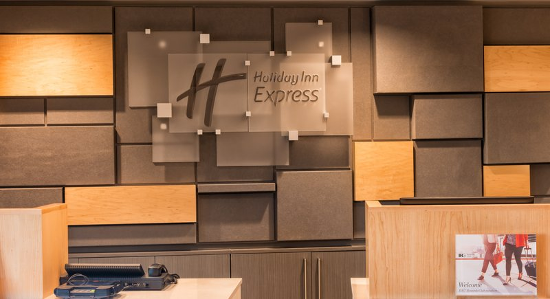 Holiday Inn Express Charleston US Hwy 17 & I-526-Welcome to Charleston - Newly Renovated Front Desk<br/>Image from Leonardo