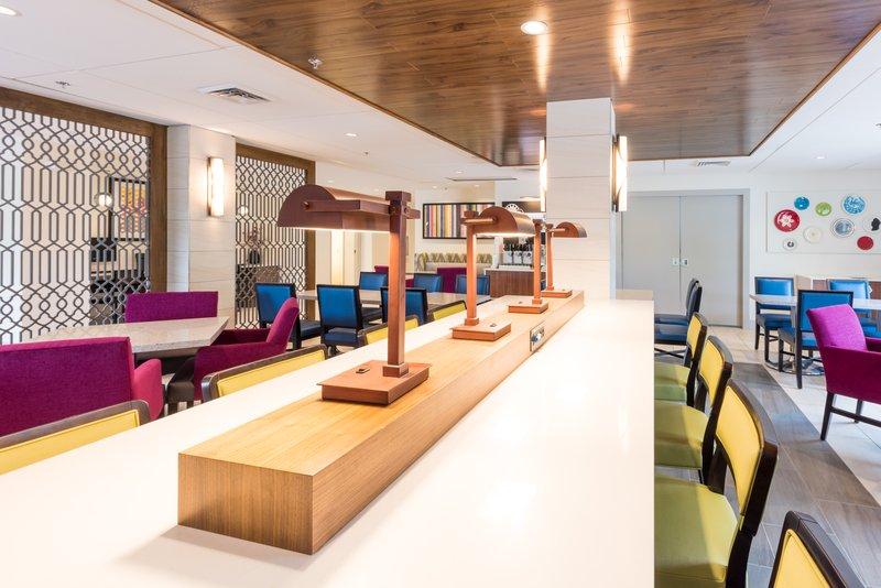 Holiday Inn Express Charleston US Hwy 17 & I-526-Lobby and Breakfast Area<br/>Image from Leonardo