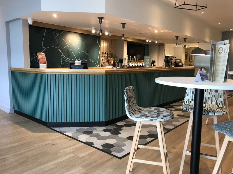 Holiday Inn Rugby-Northampton M1, Jct.18-Bar <br/>Image from Leonardo