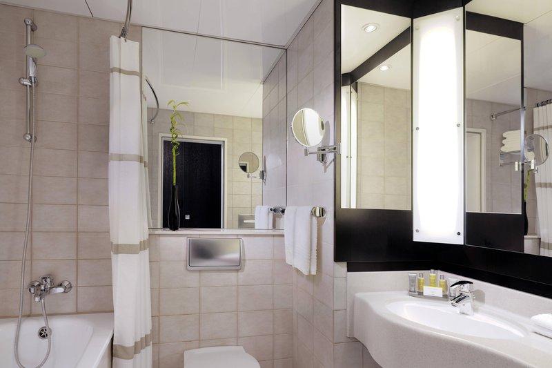 Marriott Heidelberg-Executive Guest Room - Bathroom<br/>Image from Leonardo