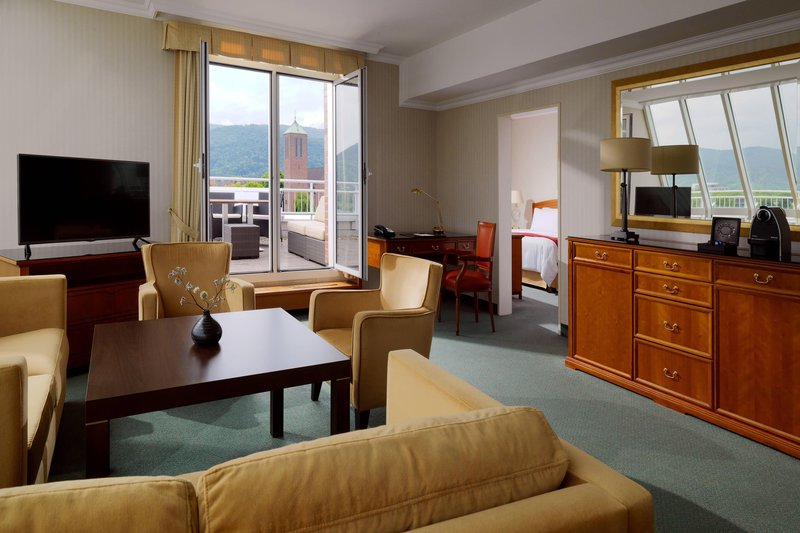Marriott Heidelberg-Executive Suite Living Area<br/>Image from Leonardo