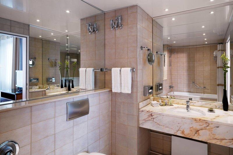 Marriott Heidelberg-Executive Suite - Bathroom<br/>Image from Leonardo