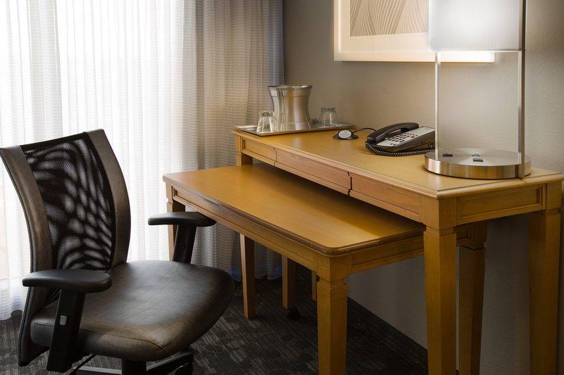 Courtyard by Marriott Fort Lauderdale Beach-Guest Room Work Desk<br/>Image from Leonardo