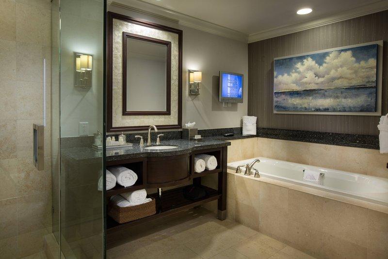 Courtyard by Marriott Fort Lauderdale Beach-Presidential Suite Bathroom<br/>Image from Leonardo