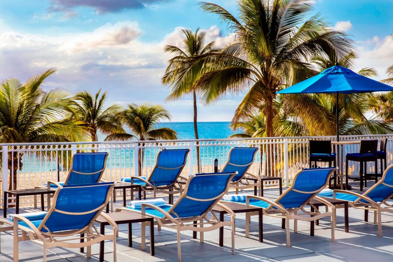 Courtyard by Marriott Fort Lauderdale Beach-Oceanfront Sun Deck - Lounge Chairs<br/>Image from Leonardo