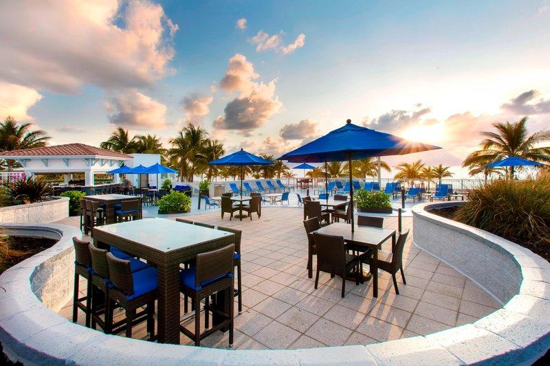 Courtyard by Marriott Fort Lauderdale Beach-Oceanfront Sun Deck<br/>Image from Leonardo