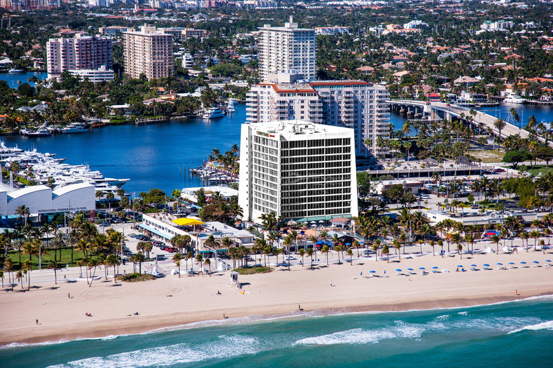 Courtyard by Marriott Fort Lauderdale Beach-Exterior<br/>Image from Leonardo