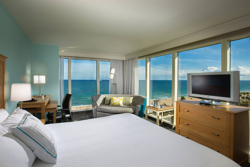 Courtyard by Marriott Fort Lauderdale Beach-King Guest Room Waterfront<br/>Image from Leonardo