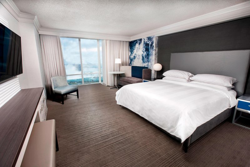 Marriott Niagara Falls on the Falls-Fallsview King Guest Room<br/>Image from Leonardo