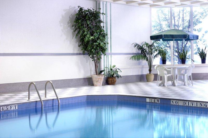 Marriott Niagara Falls on the Falls-Indoor Pool<br/>Image from Leonardo
