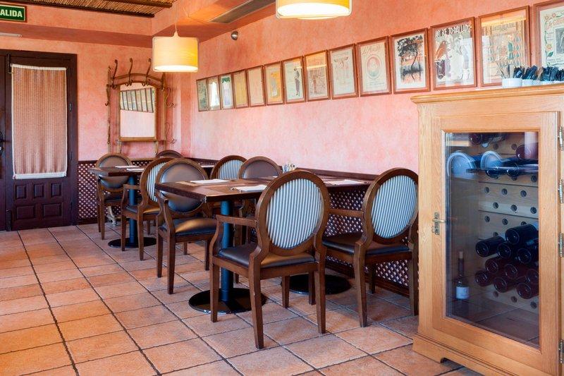 AC Hotel Ciudad de Toledo-Breakfast Room - Seating Area<br/>Image from Leonardo