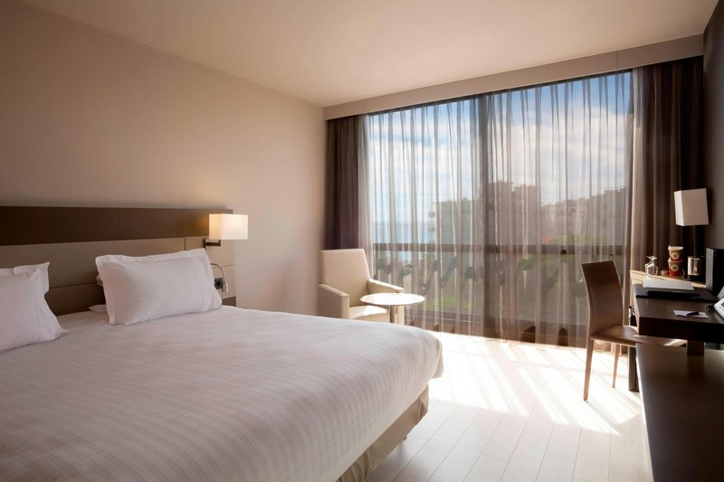 AC Hotel Nice-King Partial Sea View Guest Room<br/>Image from Leonardo