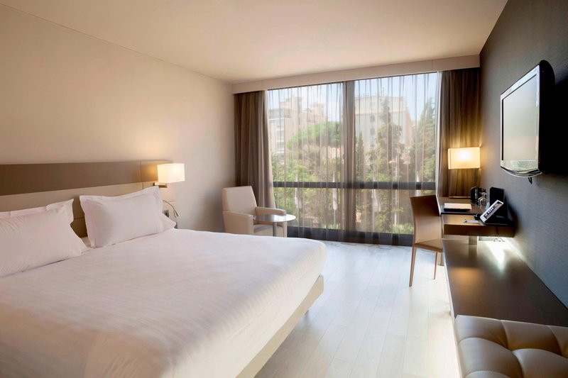 AC Hotel Nice-King Garden View Superior Guest Room<br/>Image from Leonardo