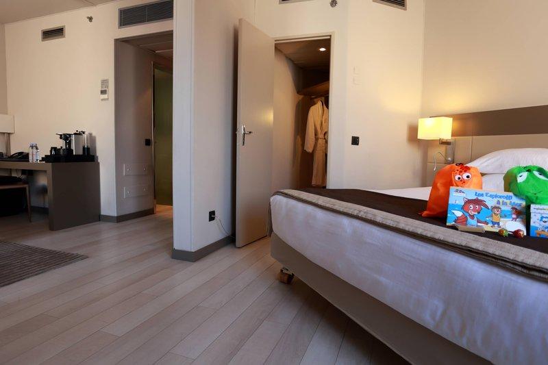 AC Hotel Nice-Family Junior Suite<br/>Image from Leonardo