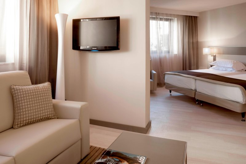 AC Hotel Nice-Junior Suite - Living Area<br/>Image from Leonardo