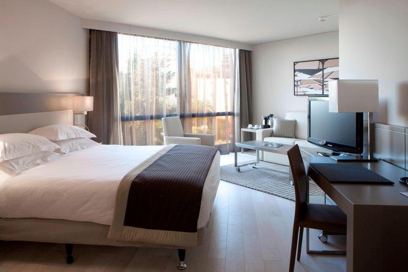 AC Hotel Nice-Junior Suite - Sleeping Area<br/>Image from Leonardo