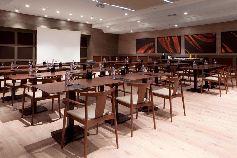 AC Hotel Nice-Forum C Meeting Room - Classroom Setup<br/>Image from Leonardo