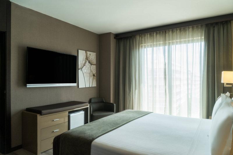 AC Hotel Ciutat de Palma-King Suite - Bedroom<br/>Image from Leonardo