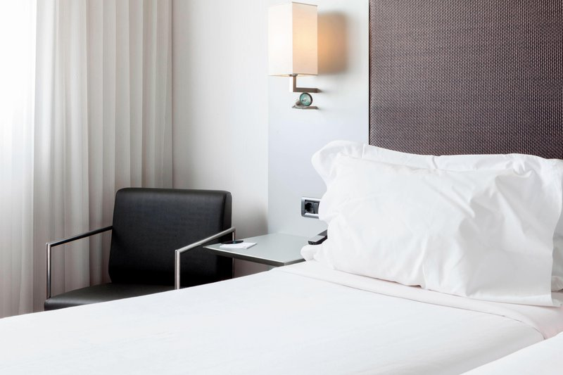 AC Hotel Pisa-Twin/Twin Guest Room – Sitting Area<br/>Image from Leonardo