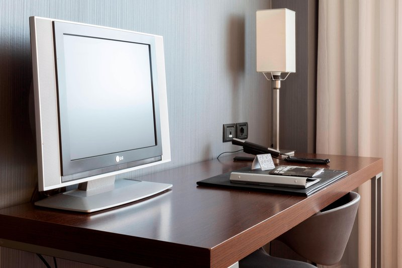 AC Hotel Pisa-Guest Room Work Desk<br/>Image from Leonardo