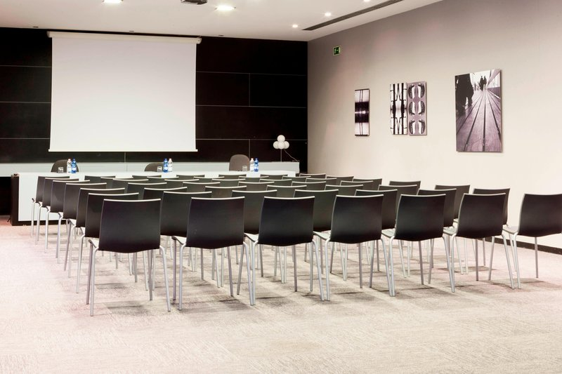 AC Hotel Pisa-Meeting Room – Theater Setup<br/>Image from Leonardo