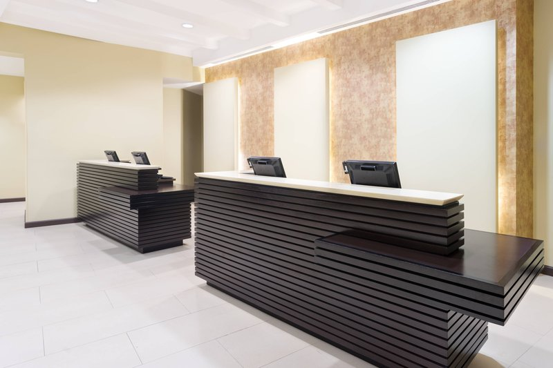 Courtyard by Marriott Kingston-Front Desk<br/>Image from Leonardo