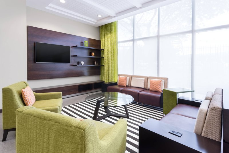 Courtyard by Marriott Kingston-Lobby Theatre<br/>Image from Leonardo