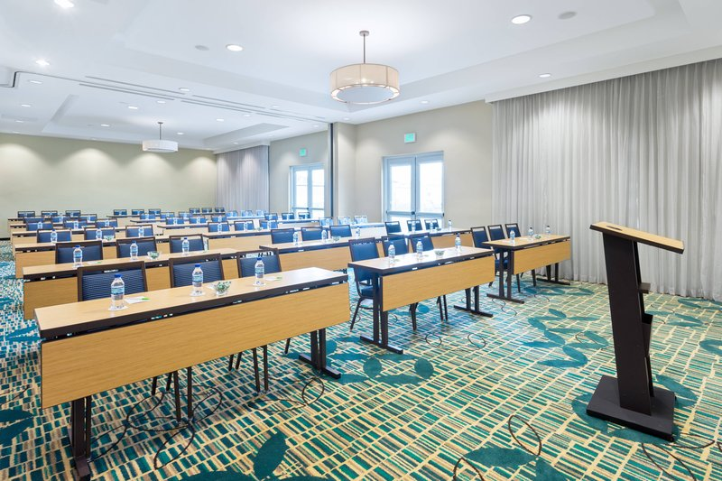 Courtyard by Marriott Kingston-Frangipani Meeting Room<br/>Image from Leonardo