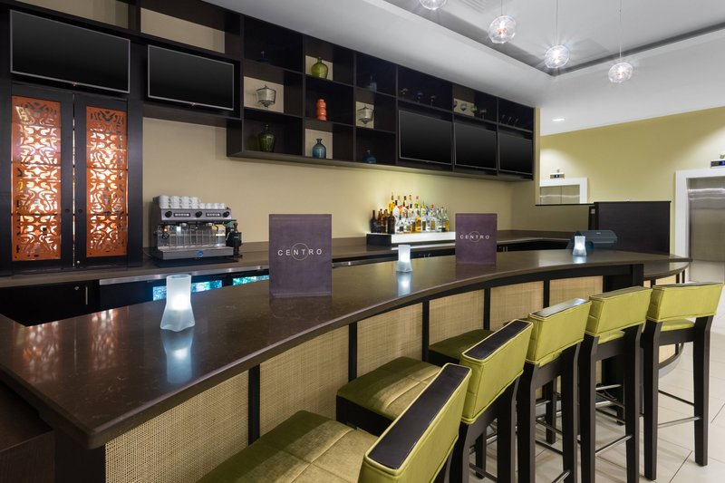 Courtyard by Marriott Kingston-Centro Bar<br/>Image from Leonardo