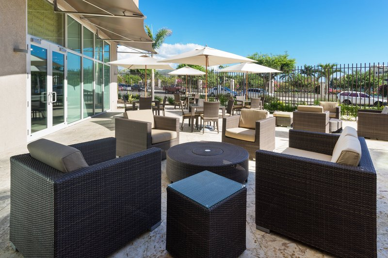Courtyard by Marriott Kingston-Centro Outdoor Seating Area<br/>Image from Leonardo