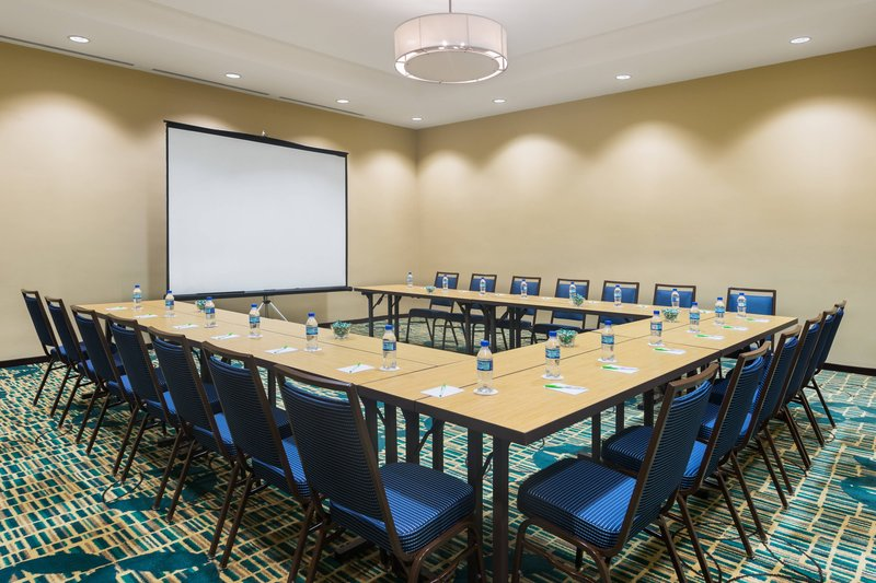 Courtyard by Marriott Kingston-Meeting Room<br/>Image from Leonardo