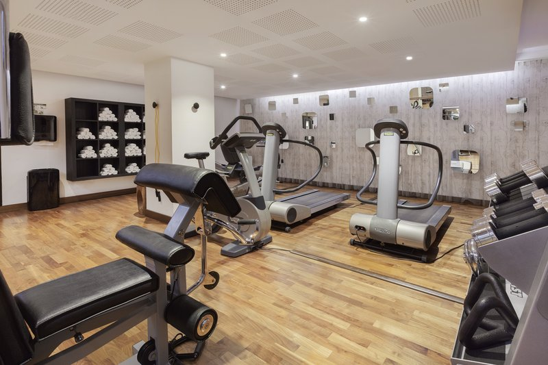 Holiday Inn Berlin Centre Alexanderplatz-State-of-the-art cardio and strength equipment at the 24-hour gym.<br/>Image from Leonardo