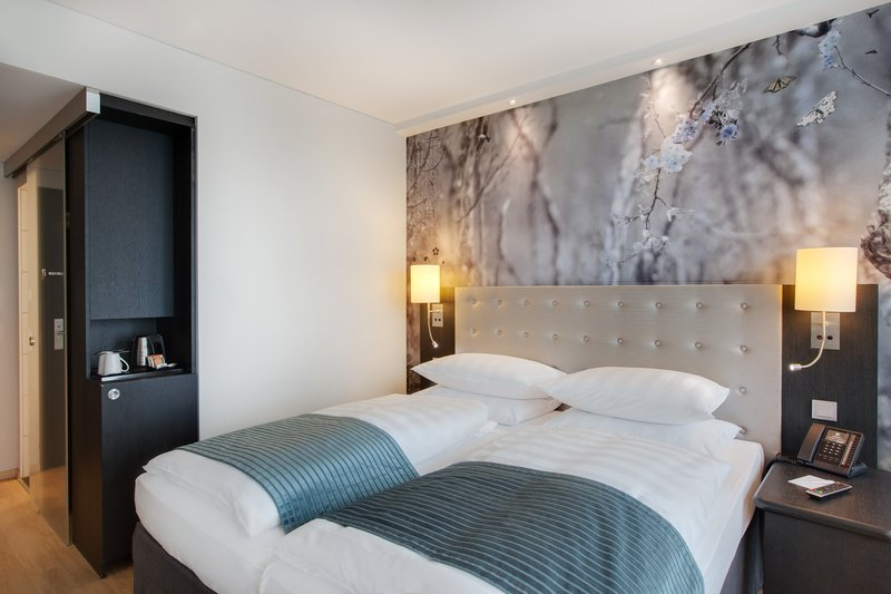 Holiday Inn Berlin Centre Alexanderplatz-Double Bed Guest Room for a great nights sleep.<br/>Image from Leonardo