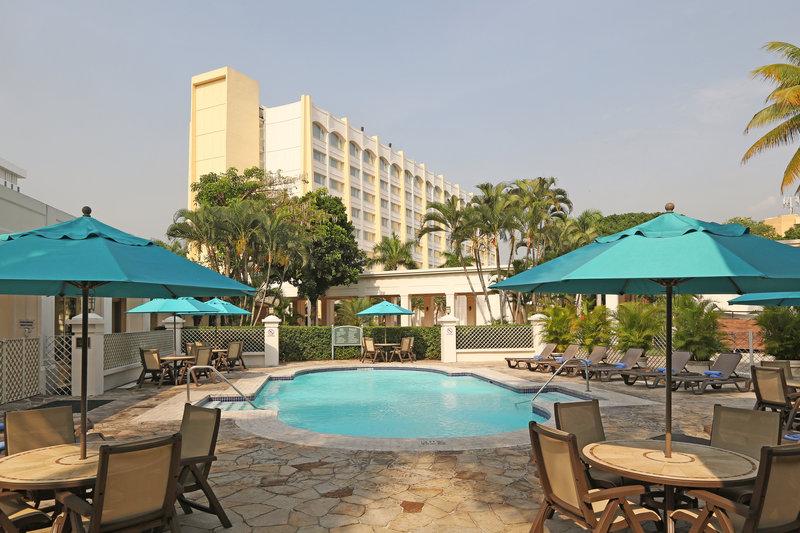 Intercontinental San Salvador - Metrocentro Mall-Swimming Pool<br/>Image from Leonardo