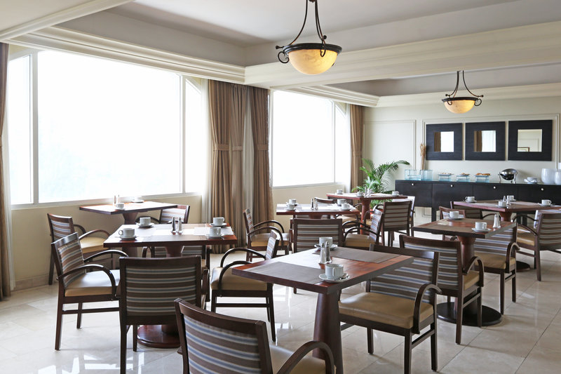 Intercontinental San Salvador - Metrocentro Mall-Club Floor Lounge<br/>Image from Leonardo