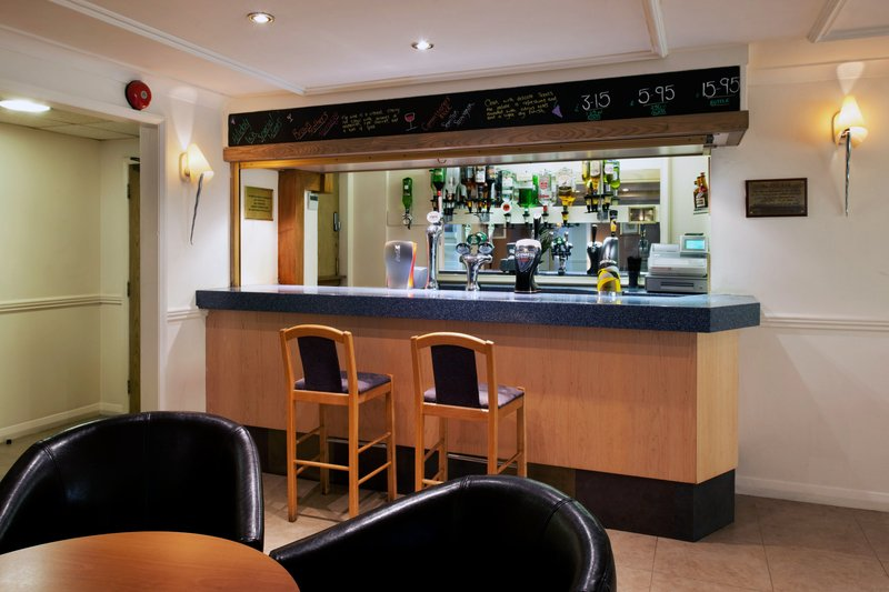 Holiday Inn A55 Chester West-Lounge Bar<br/>Image from Leonardo