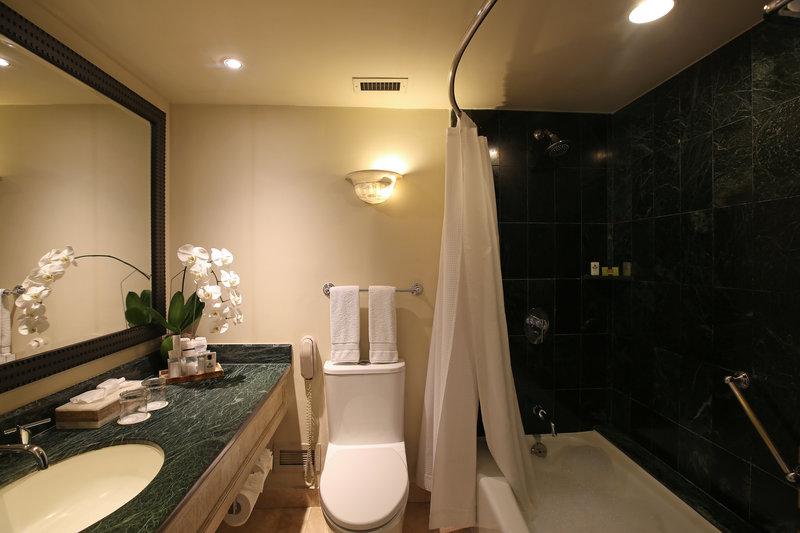 Intercontinental San Salvador - Metrocentro Mall-Bathroom Amenities<br/>Image from Leonardo