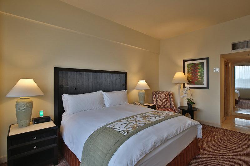 Intercontinental San Salvador - Metrocentro Mall-King bed<br/>Image from Leonardo