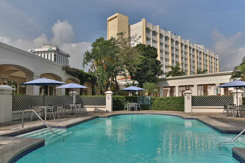 Intercontinental San Salvador - Metrocentro Mall-Our swimming pool is a perfect retreat for health and wellness.<br/>Image from Leonardo
