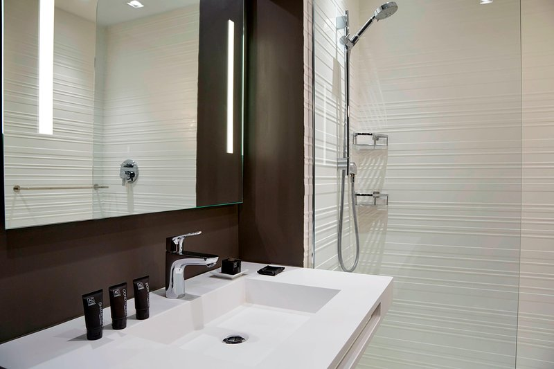 AC Hotel Miami Beach-Queen/Queen Bathroom Vanity<br/>Image from Leonardo