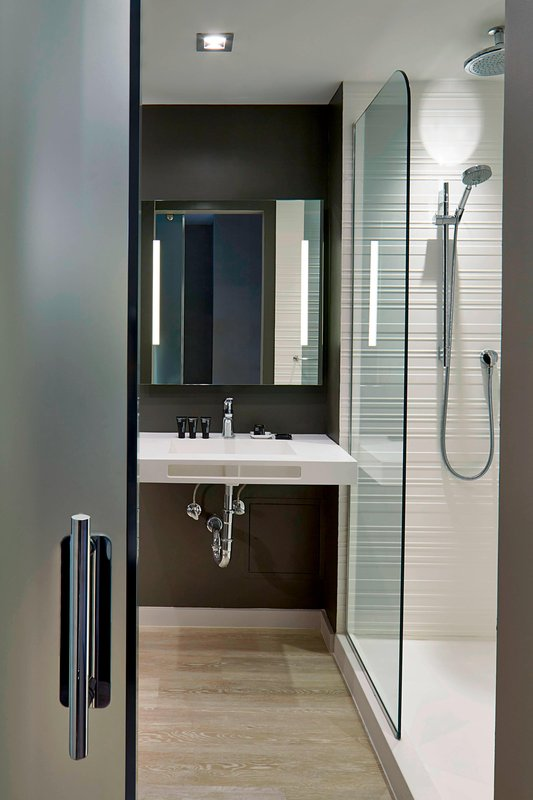 AC Hotel Miami Beach-Queen/Queen Bathroom<br/>Image from Leonardo
