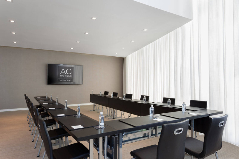 AC Hotel Miami Beach-Barcelona Room - U-Shape Setup<br/>Image from Leonardo