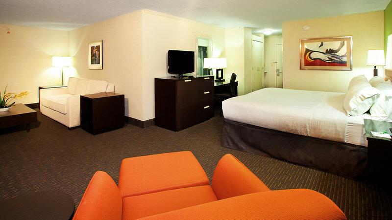 Holiday Inn Tulsa City Center-Junior Suite<br/>Image from Leonardo