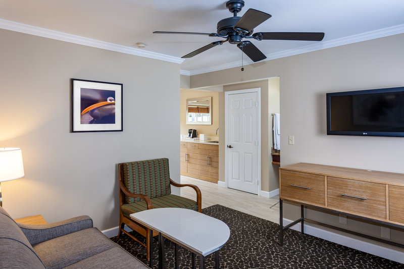 Holiday Inn Express & Suites La Jolla - Beach Area-Larger king rooms with sofa sleepers are available.<br/>Image from Leonardo