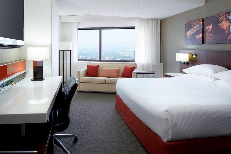 Delta Hotels by Marriott Quebec-King Standard Guest Room<br/>Image from Leonardo