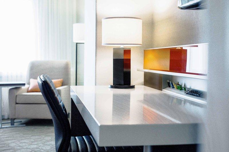 Delta Hotels by Marriott Quebec-SmartDesk<br/>Image from Leonardo